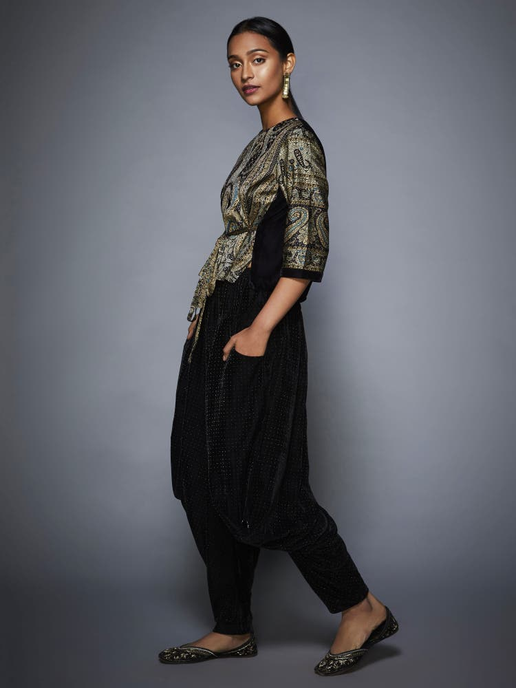 Grey & Black Jamawar Print Ensemble