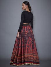 Huma Qureshi in a Black & Burgundy Embroidered Lehenga With Stole