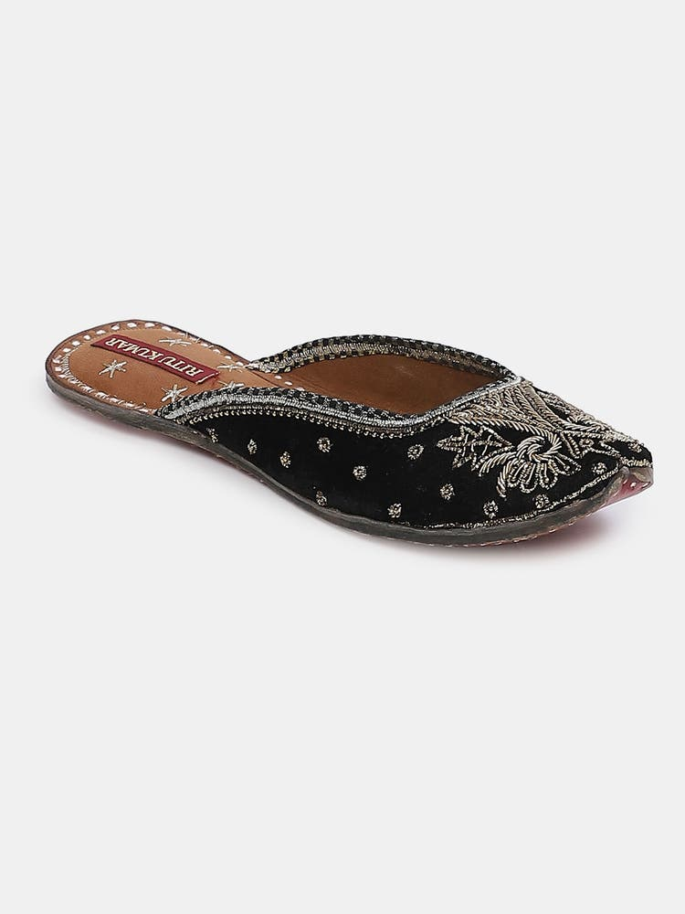 Black Leather Jannat Slip-On Mojari