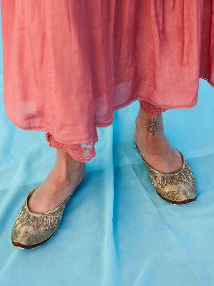 Golden Leather Arya Slip-On Mojari